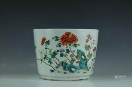 A Fine Famille Rose Porcelain Flower Pot