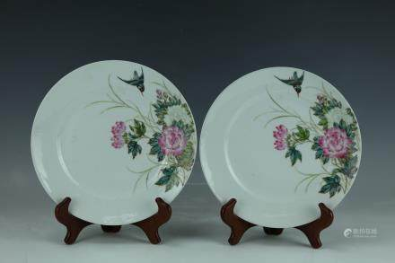 A Pair of Famille Rose Porcelain Flower Birds Plates