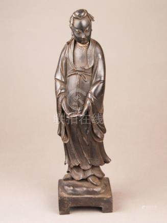 Bronze figure - China, bronze with brownish patina and few r