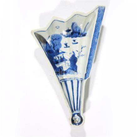 A Chinese blue and white porcelain fan-form sweets dish, for