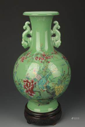 GREEN GROUND FAMILLE ROSE PEONY PATTERN VASE