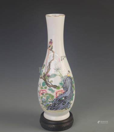 RARE FAMILLE ROSE BIRD AND TREE PORCELAIN VASE