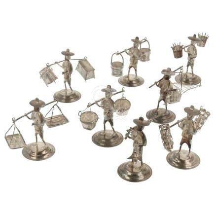 (8) Delig lot miniaturen van chinese ambachten zilver.China, HongKong, 20e eeuw, keurtekens: