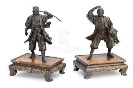 A pair of bronze figures of samurai By Miyao, Meiji (2)