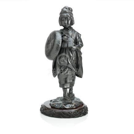 Two bronze okimono of bijin Both by Wacho, Meiji era (2)