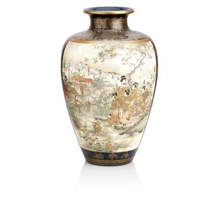 A large Satsuma vase By Kizan, Meiji era