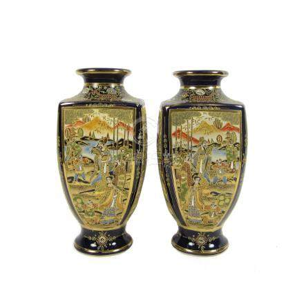 A pair of Satsuma vases Taisho/Showa era (2)