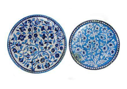 Two Iznik-style saucer dishes 19th century (2)