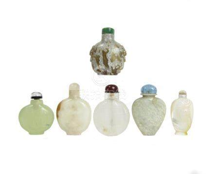 Six carved mineral snuff bottles 19th century (12)