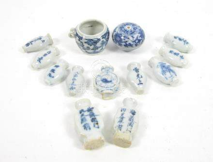 A varied group of blue and white wares Mainly Kangxi (26)