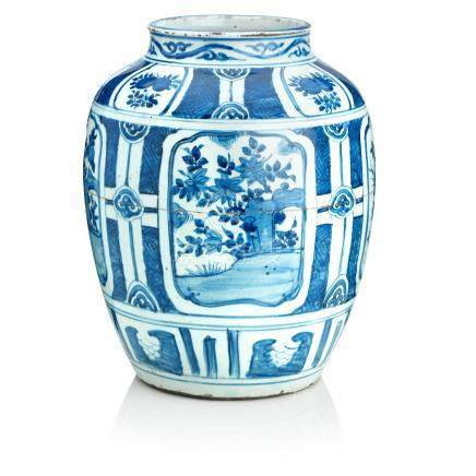 A large Chinese blue and white 'kraak porselein' jar  Wanli