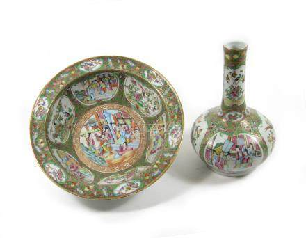 A famille rose basin and bottle vase 19th century (2)