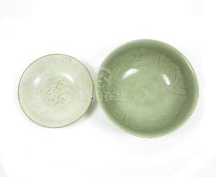 A qingbai saucer dish and a celadon-glazed bowl Song/Yuan and Ming (2)