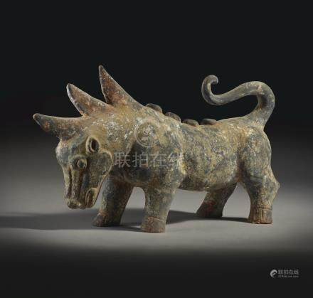 A PAINTED GRAY POTTERY FIGURE OF A MYTHICAL BEASTHANDYNASTY