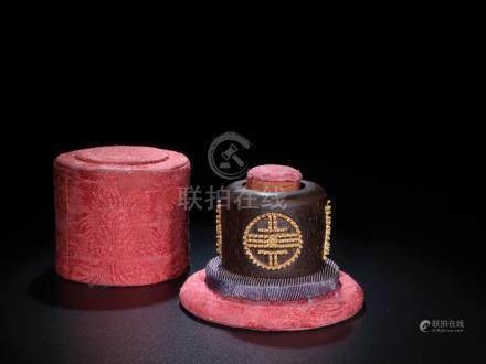 A Chenxiang-Inlaid Gilt Bronze 'Shou' Thumb Ring