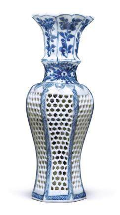 A SMALL BLUE AND WHITE DOUBLE-WALLED BALUSTER VASEQing Dynasty, Kangxi Period
