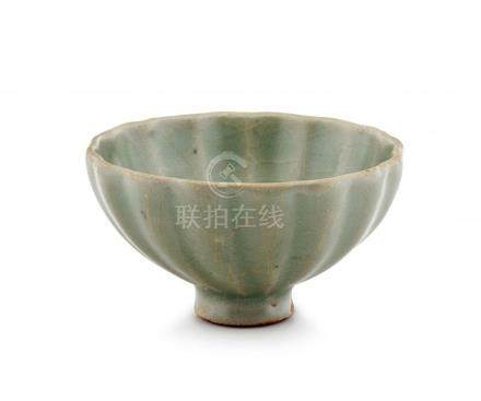 A Chinese Longquan celadon-glazed bowl, Song Dynasty