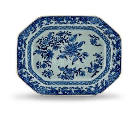 A Chinese Export blue and white dish, Qing Dynasty, 18th century