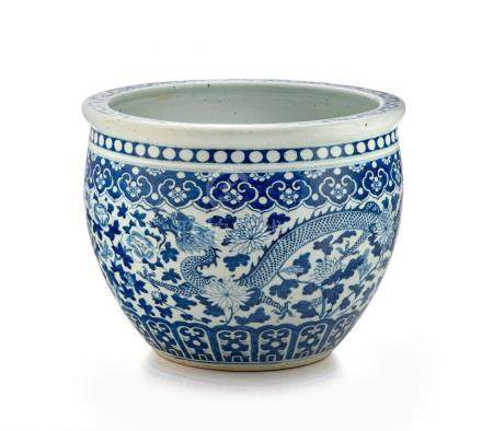 A Chinese blue and white jardinière, Qing Dynasty, late 19th century