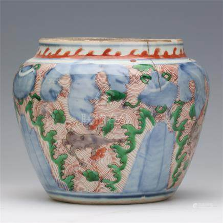 CHINESE PORCELAIN BLUE AND WHITE WUCAI BEAST JAR