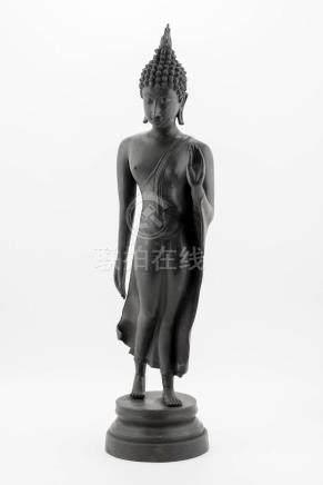 Bouddha debout marchant de Thaïlande de style Ayuthaya en br