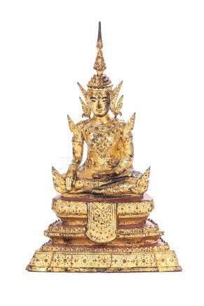 Bouddha en bronze laqué doré de Thaïlande, de style Ayuthia.