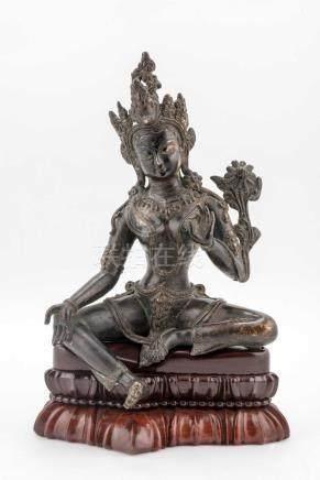 Tara verte en bronze plein à patine brune du Tibet