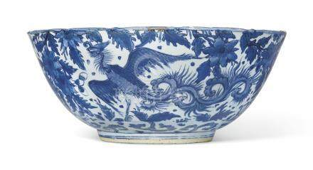 A LARGE BLUE AND WHITE 'DRAGON AND PHOENIX' BOWL