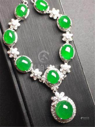 18K GOLD DIAMOND NATURAL JADEITE NECKLACE