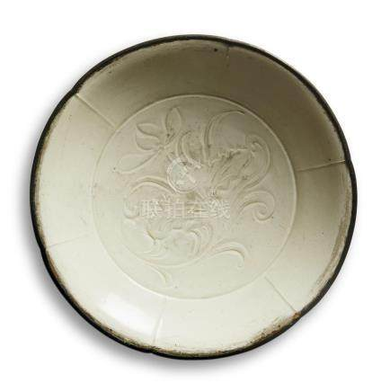 A DINGYAO INCISED 'LOTUS' DISH  Northern Song/Jin dynasty