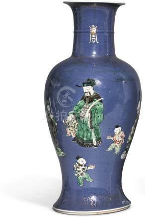 清十九世紀   灑藍地五彩三星送子圖瓶