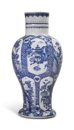 清十九世紀   青花開光花卉博古圖瓶