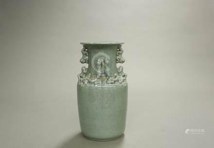青瓷獸耳大瓶