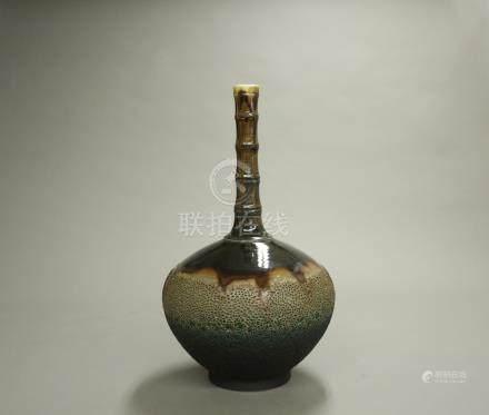 竹節長頸瓶