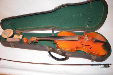 Antique Violin, Made in Cecho-Slowakia, Marks