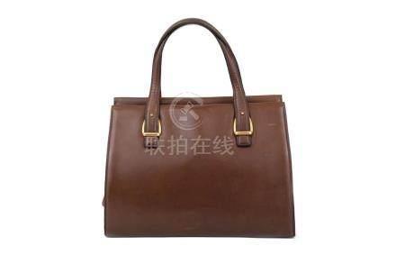 Gucci Brown Vintage Handbag, smooth leather body with intern