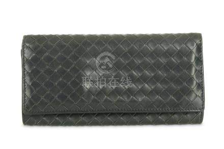 Bottega Veneta Navy Wallet, woven leather with designated ca