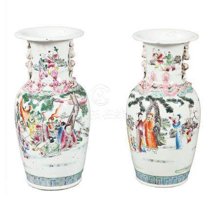 Pair of Chinese porcelain vases, first half of the 20th Cent