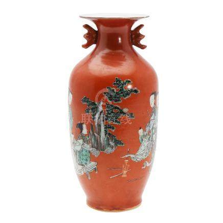 Chinese vase in Republic porcelain in coral colour, 20th Cen