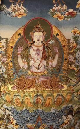 A TIBETAN STYLE THANGHKA WITH BUDDHA DESIGN, LENGTH 90CM