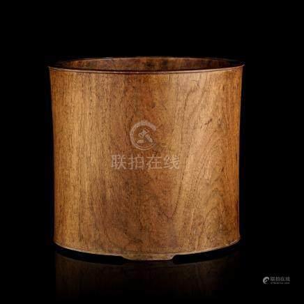 Bitong en bois - Chine - dynastie Qing - diam. 30 cm - h. 27 - 5 cm / A wood bitong - China - Qing