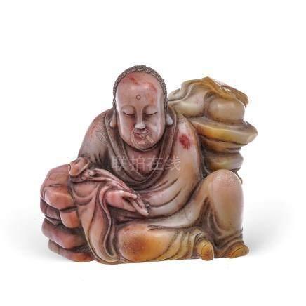 Luohan en méditation - sculpture en stéatite - Chine - h. 6 - 5 cm /