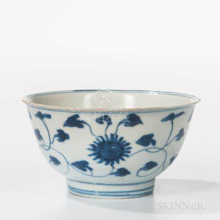 Small Export Blue and White Bowl, China, Ming dynasty style, with slightly flaring rim, on straight