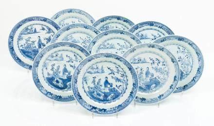 A set of ten large plates