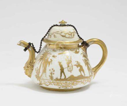 A tea pot Meissen / Augsburg, 1st third of the 18th century,