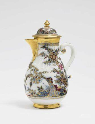 A coffee pot Meissen, 2nd quarter of the 18th century