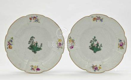 A pair of plates Meissen, dot period.