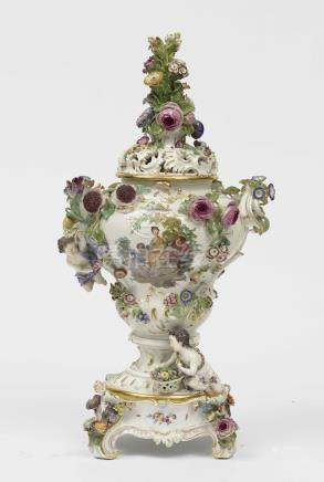 A magnificent vase with pedestal Meissen