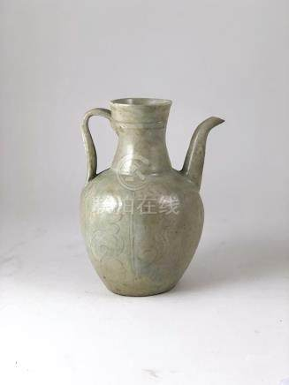 Sawankhalok Oil Ewer slightly hexagonal faceted body with faintly shallow decorations and white