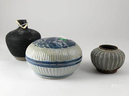 Provincial Ming Circular Box and Cover ribbed circular under glaze blue together with swankhalok pot